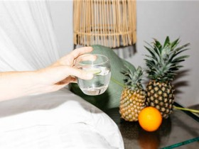 人一天要喝多少水最好